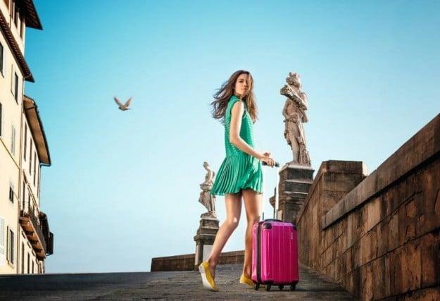 Colorate e divertenti, Carpisa presenta le nuove valigie per l'estate 2014