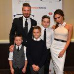 David e Victoria Beckham con i figli sul red carpet in California