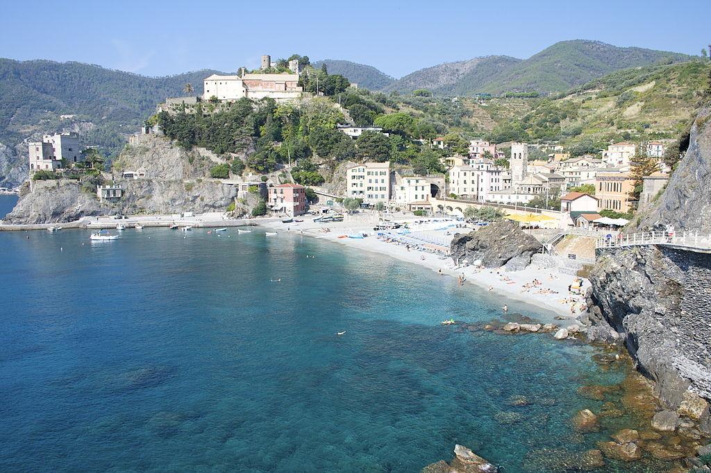 Delle Cinque Terre Monterosso è sicuramente la più famosa e attrezzata da un punto di vista turistico