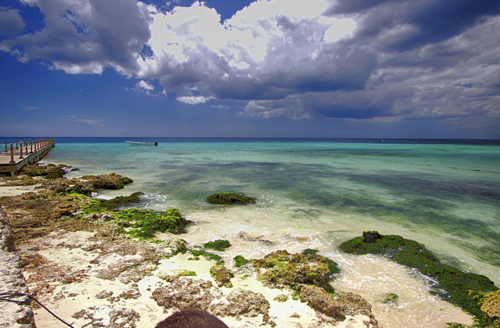 """Caribe, detta """"La Spiaggia dell'ambasciata"""" si affaccia su una piccola insenatura bagnata dal mare cristallino dei Caribi"""