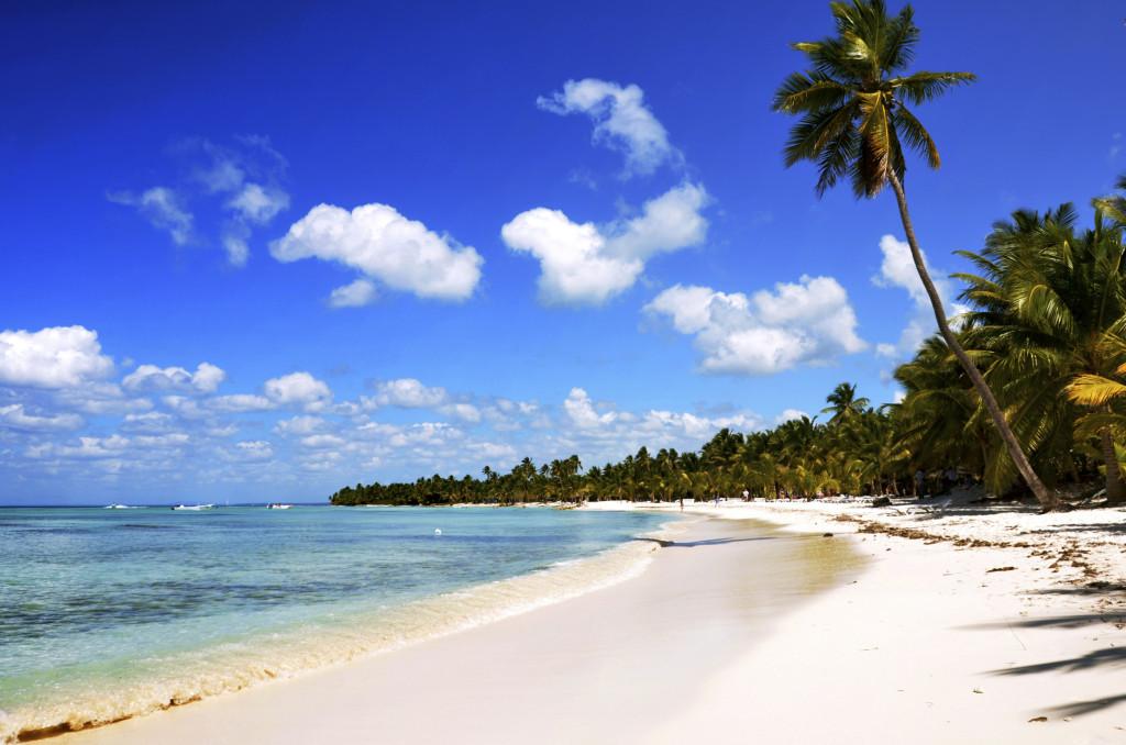 Calde acque verdi, sabbia bianca e palme di cocco: sono questi gli ingredienti che rendono Santo Domingo un vero e proprio paradiso naturale