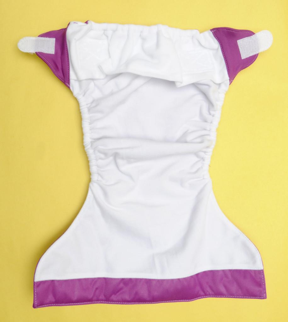 Il pannolino pocket è fornito di tasca per inserire la parte assorbente
