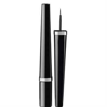 L'eyeliner Ligne Graphique de Chanel è l'ideale per un tratto preciso e intenso