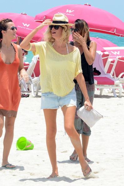 La conduttrice paparazzata sulle spiagge di Miami