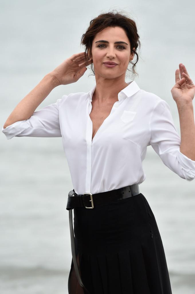 Uno scatto a mezzo busto dell'attrice che appare sempre bellissima