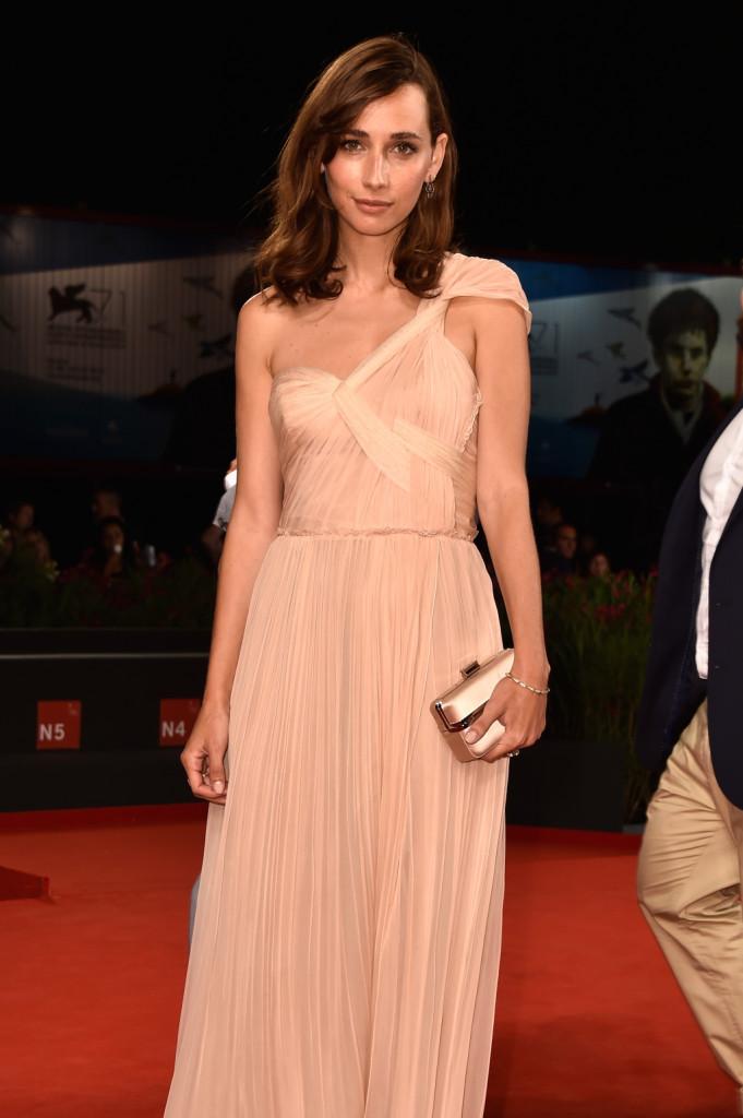 L'attrice francese Rebecca Dayan sul red carpet per