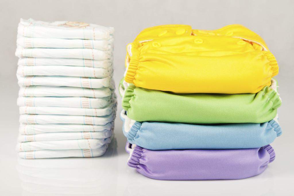 Pochi pannolini lavabili sostituiscono centinaia di pannolini usa e getta con risparmio economico e per l'ambiente