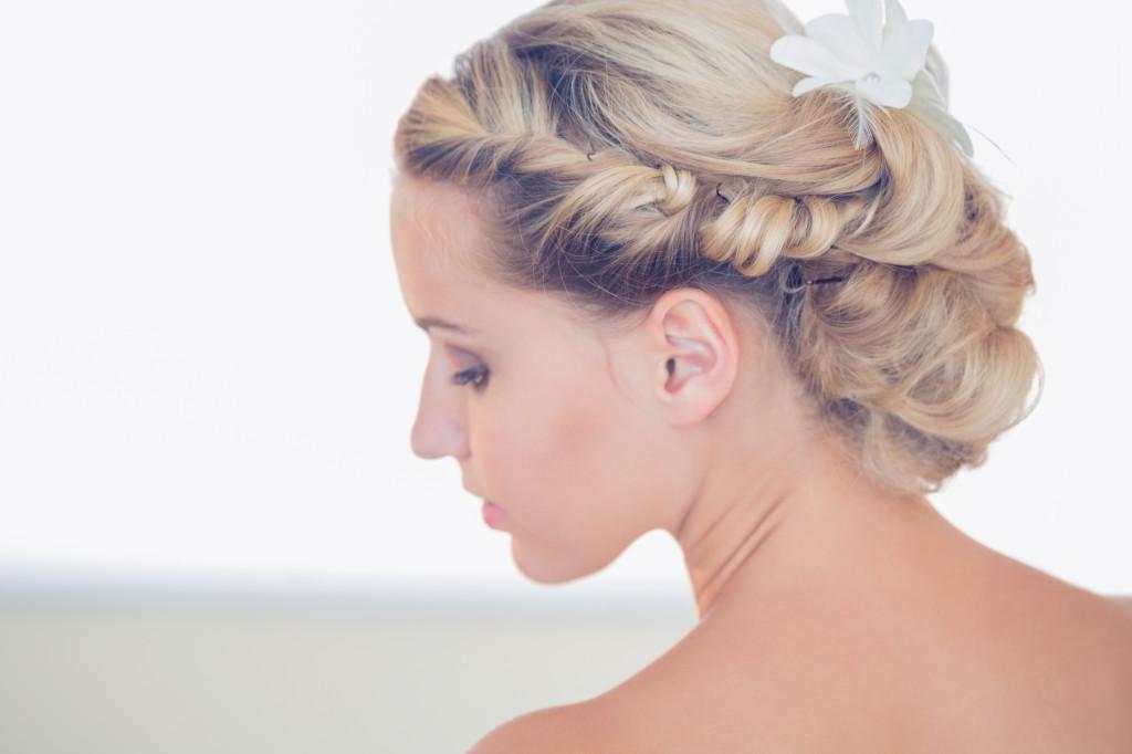 Sposa acconciature capelli medi