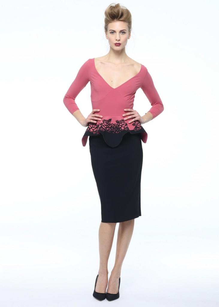 Abito Bettina Rose di Chiara Boni collezione A/I 14-15 cipria e nero con rose sulla balzina