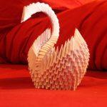 cigno di carta origami per allestimenti