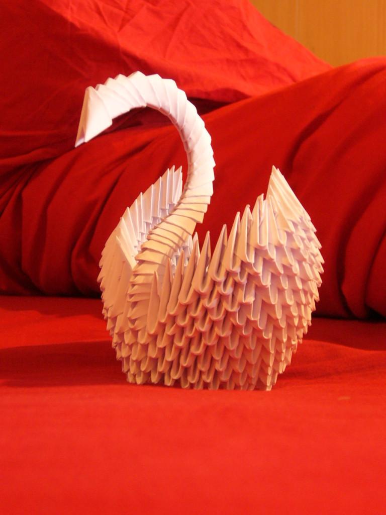 splendido cigno di carta per matrimoni tema origami