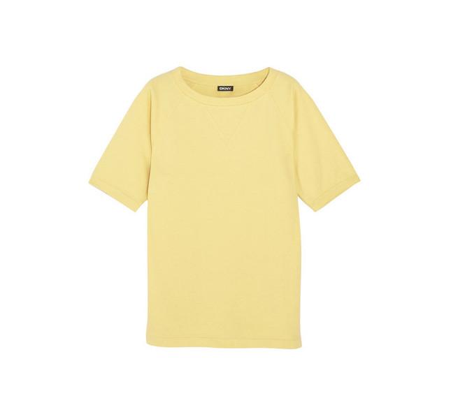 Giallo: questo il colore dell'estate 2014 da sfoggiare in tutti i nostri look. Qui t-shirt in cotone DKNY