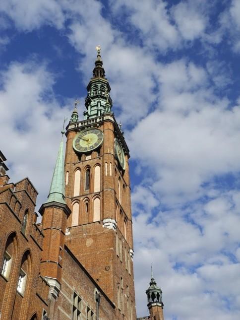 Il maestoso municipio di Danzica domina il centro storico. La torre è alta 82 metri ©CMariani