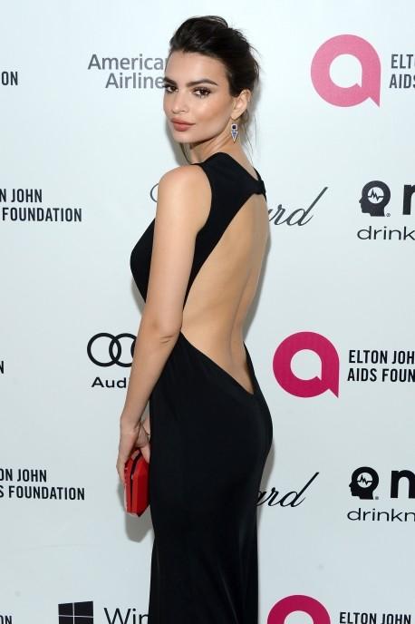 Emily Ratajkowski al party per il 22esimo edizione del  Elton John AIDS Foundation's Oscar Viewing