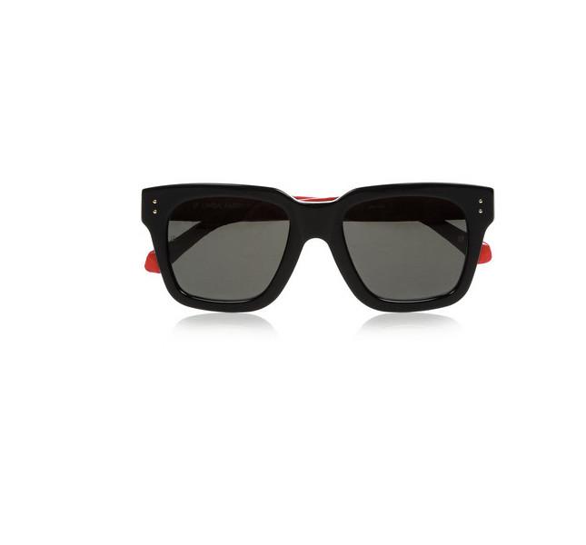 Occhiali da sole neri con stanghette rosse by Linda Farrow