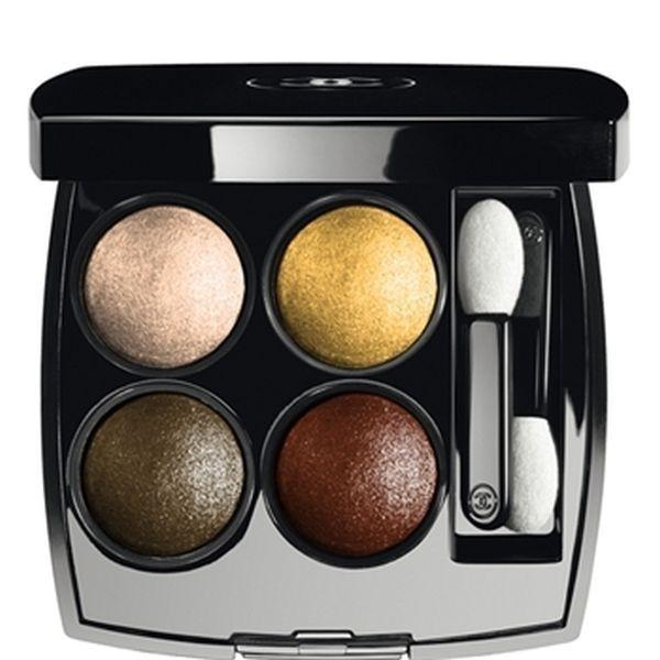 Chanel Les 4 Ombres nella nuance Intuition consente di realizzare un trucco naturale, con un tocco glamour