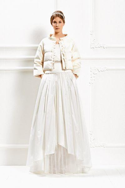 Sofisticati e irrinunciabili: sono gli accessori della Max Mara Bridal Collection 2015 come la giacca trapuntata