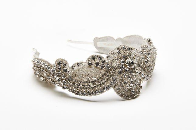 Tra gli accessori della Max Mara Bridal Collection 2015 sono diversi i modelli di diadema