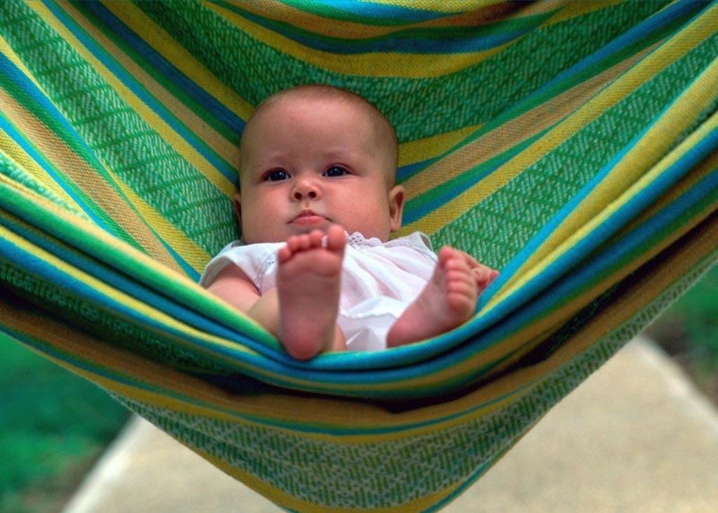 Se l'amaca è sicura ed è delle dimensioni giuste, può ospitare anche un bebè. Ovviamente super controllato