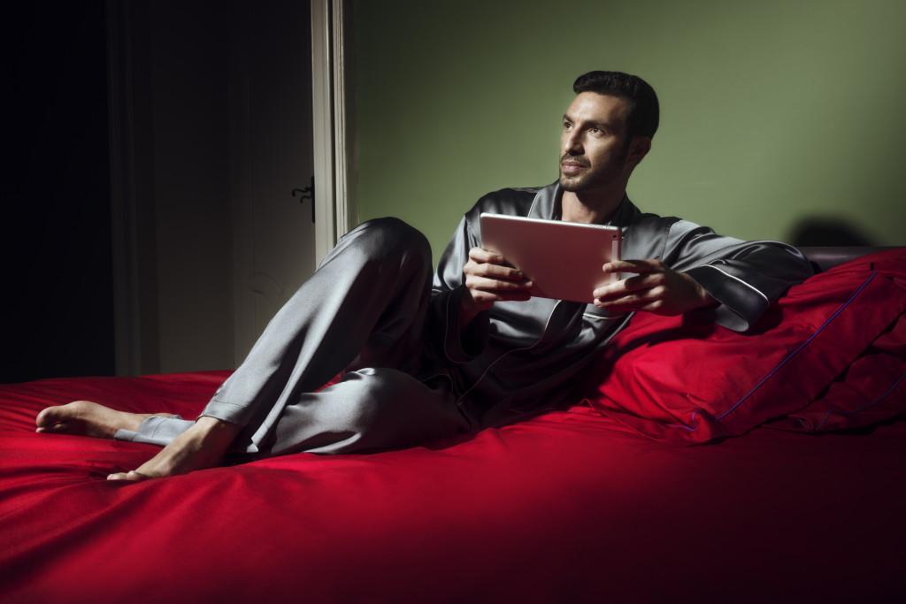 Olga Frua pensa a tutti: complementi d'arredo, donna e uomo, per essere eleganti anche sotto le lenzuola