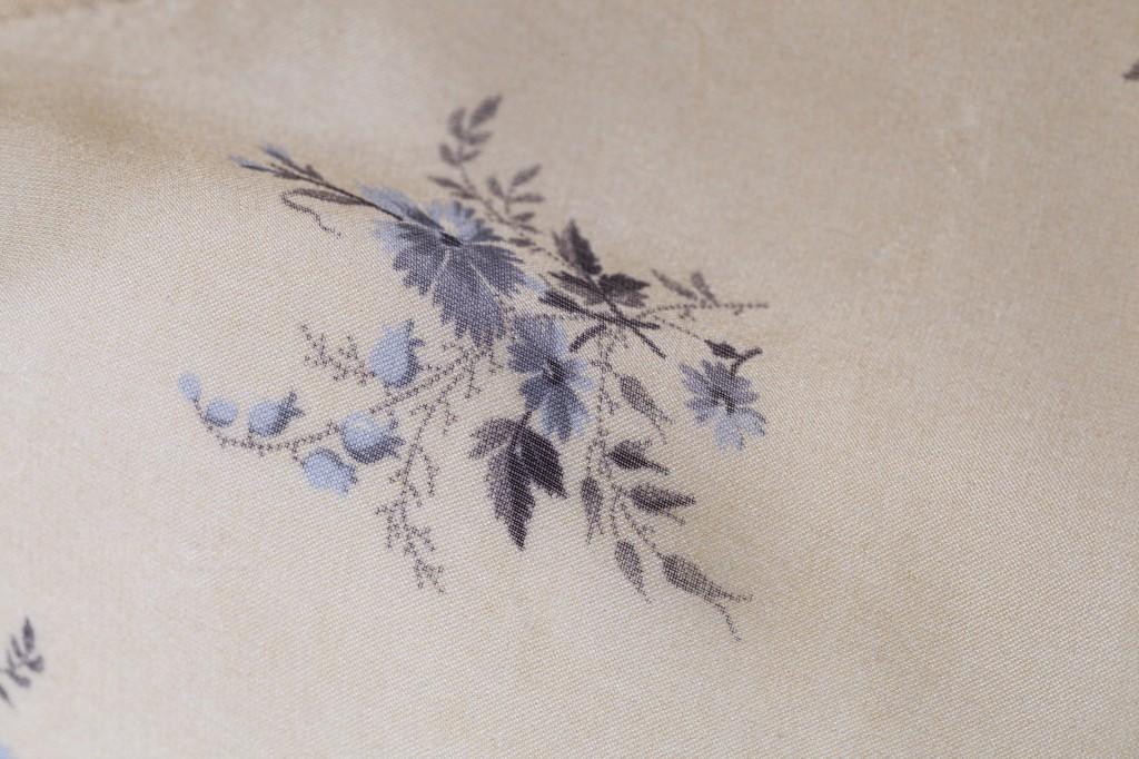 I dettagli floreali di Olga Frua, proprio come i vecchi corredi della nonna