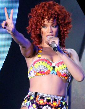 Rihanna è stata costretta a lasciare la sua casa di Los Angeles a causa di malviventi e stalker