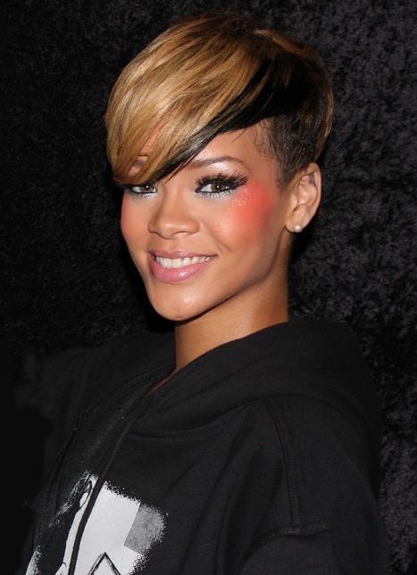 Cosa sarà mai per Rihanna acquistare una nuova villa a Hollywood?