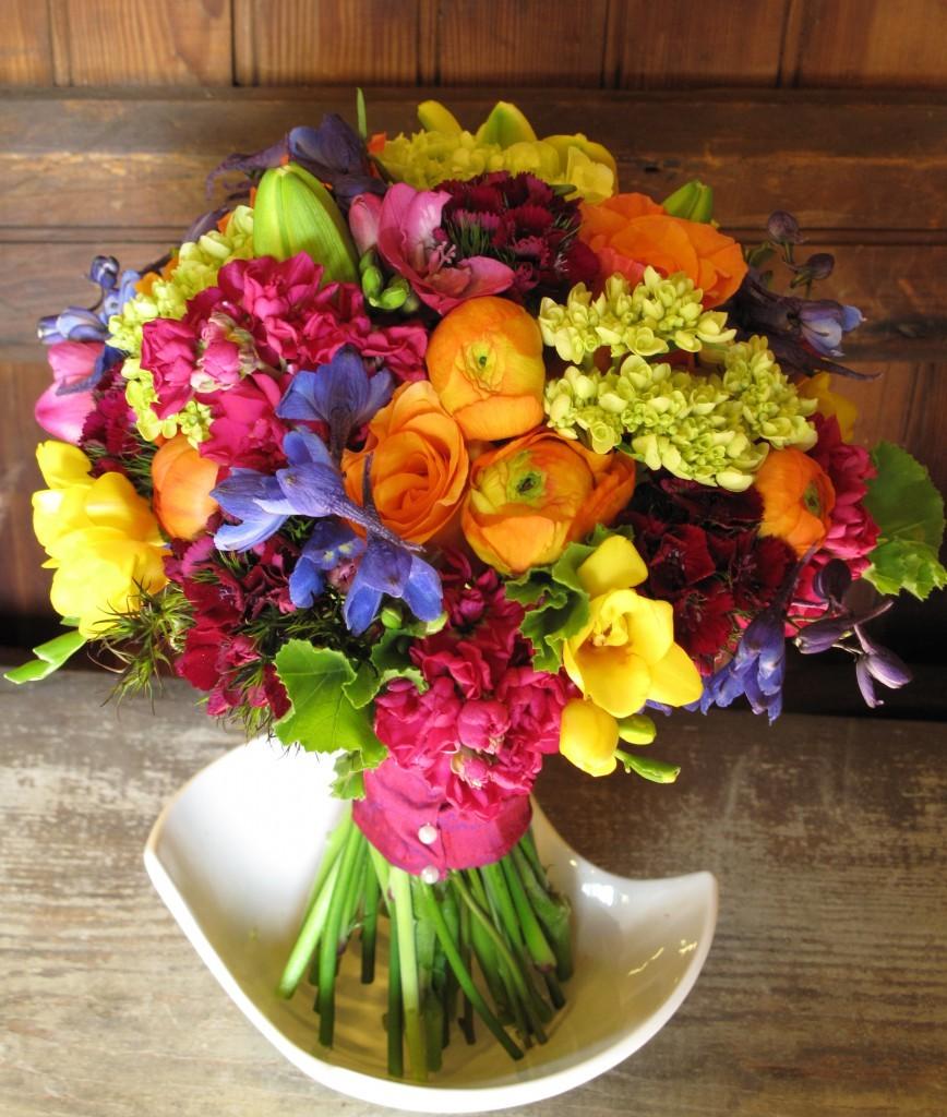 tanti colori per un bouquet di nozze