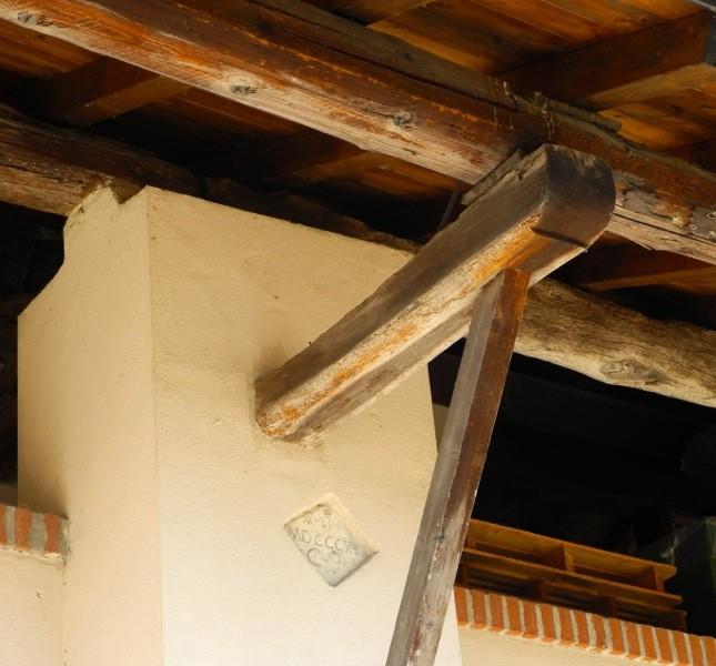 Un'iscrizione porta la data del 1816. La cascina è stata ristrutturata cercando di preservare il più possibile la struttura e i dettagli architettonici