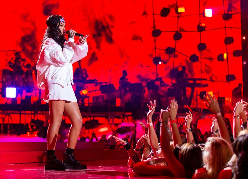 Rihanna- Una delle cantanti più famose e sexy del momento