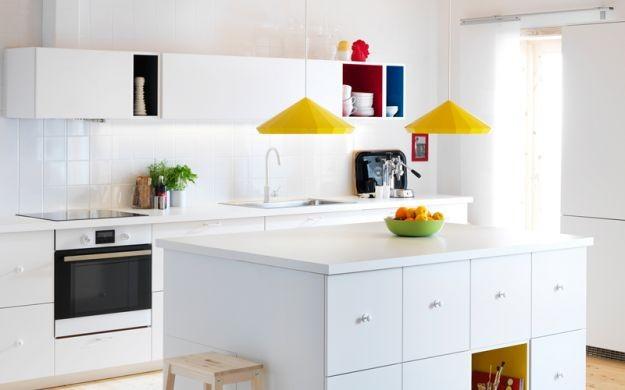 Colorate, pratiche e funzionali. Scopri le cucine componibili Ikea