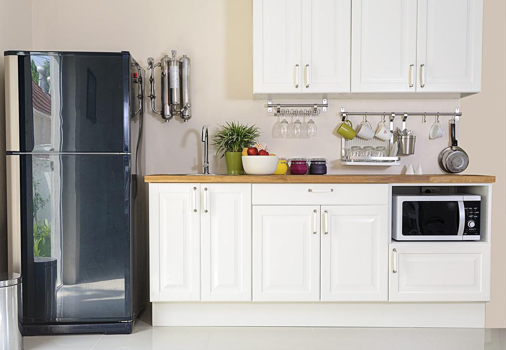 Una cucina componibile a linea unica è ottima per gli spazi più piccoli