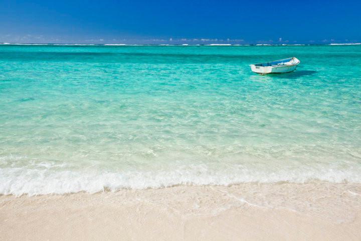 Puro relax sdraiati su spiagge meravigliose, di fronte a un mare cristallino