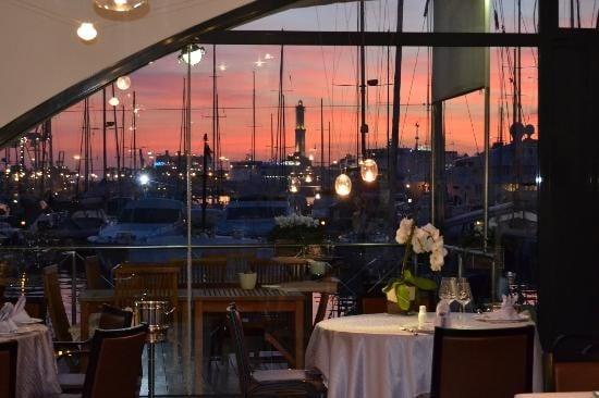Incantenvole al tramonto: la vista sul mare è da mozzare il fiato