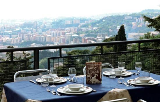 Ristorante panoramico sulle alture del Righi, a due passi da Genova
