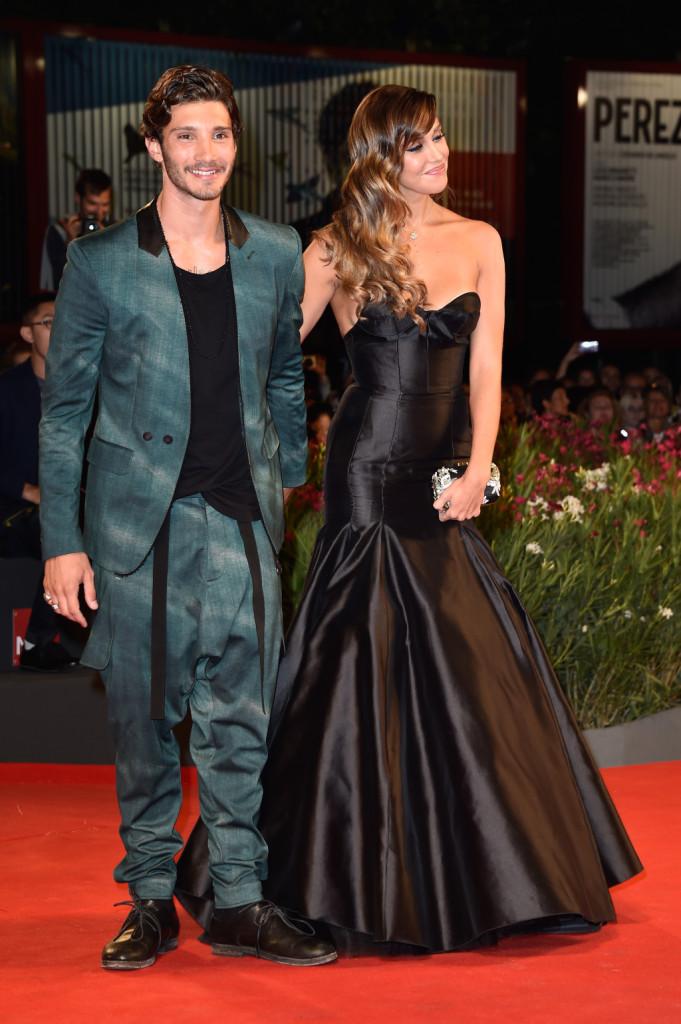 Belen Rodriguez con il marito Stefano De Martino sul red carpet della 71esima Mostra del Cinema di Venezia