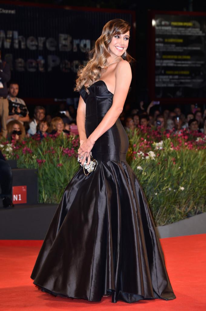 Belen Rodriguez elegante e bellissima a Venezia