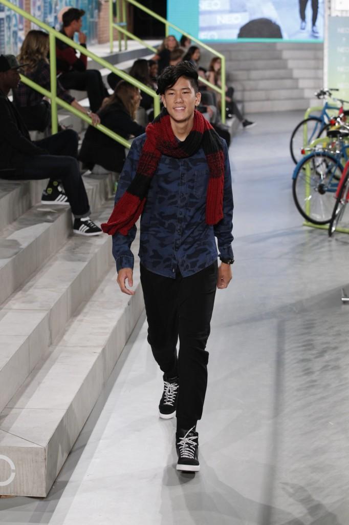 L'uomo Adidas NEO Label della primavera-estate 2015 è casual e urban chic