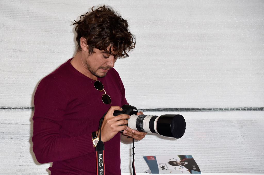 Riccardo Scamarcio in versione fotografo - Venezia 2014