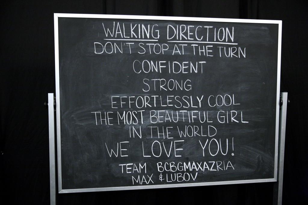 I trucchi del mestiere: indicazioni per le modelle nel backstage di BCBGMAXAZRIA