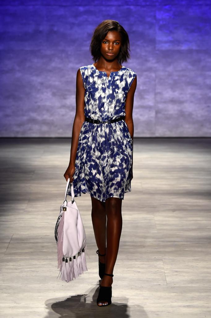 Vestito corto con stampa blu e bianco
