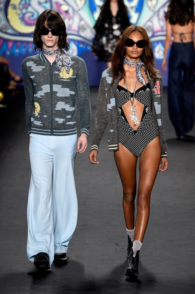 Abbigliamento di coppia / Anna Sui ss 2015