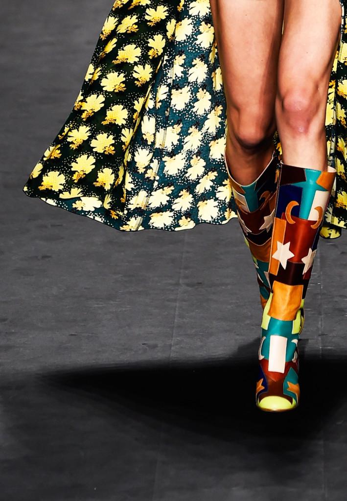Dettaglio - stivali multicolor con stelle e luna / Ann Sui ss 2015