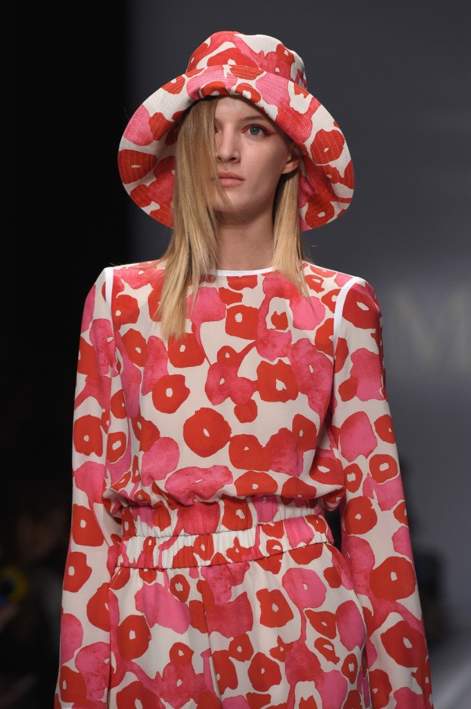Macro stampa floreale astratta su abiti e accessori Max Mara ss 2015