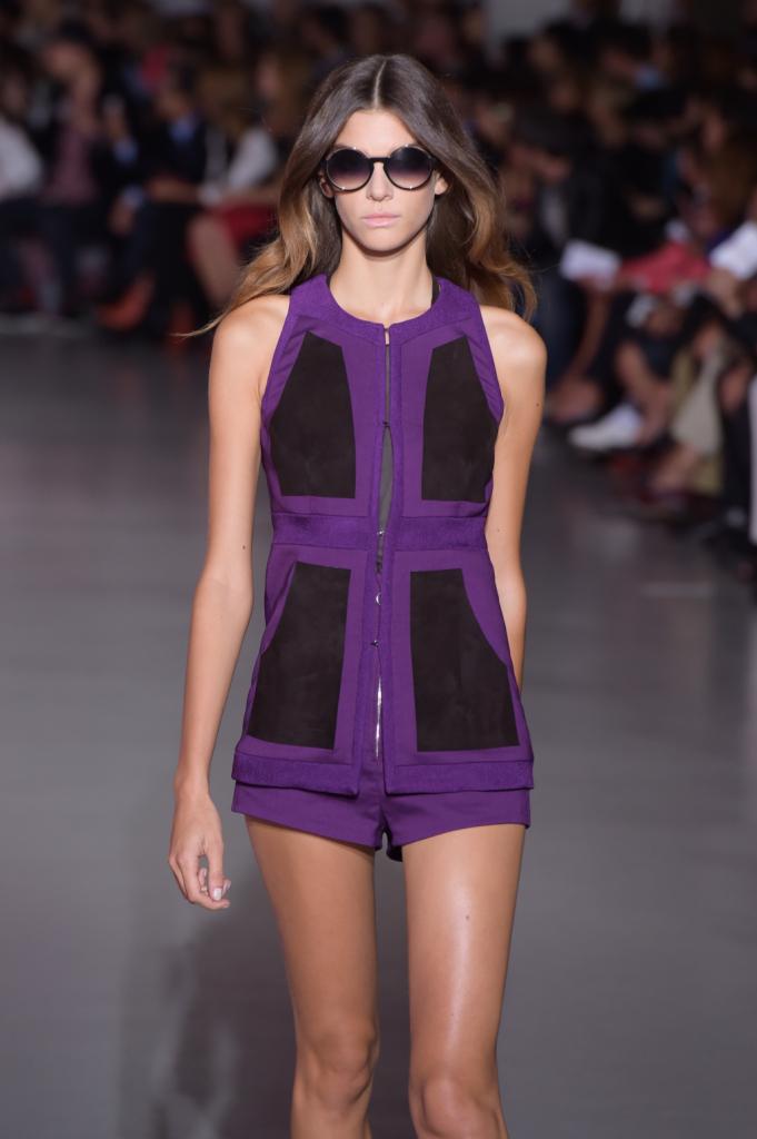 Shorts e top con zip e inserti in camoscio / Costume National ss 2015