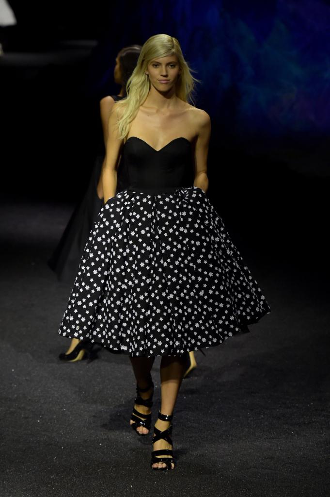 Look dark black&white per la donna di Philipp Plein