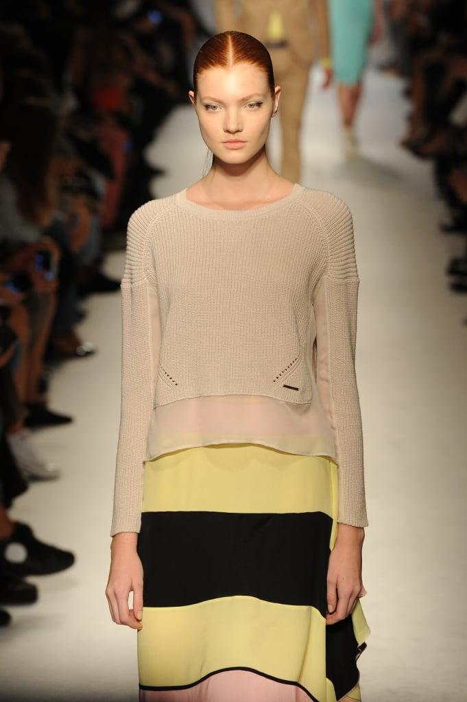 Pull abbinato a gonna nei colori giallo e nero, contrasti di cromie Masimo Rebecchi per la collezione primavera estate 2015