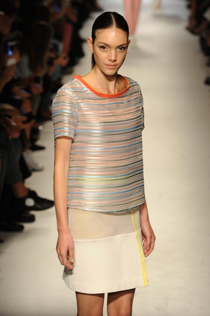 Sobrietà è la parola d'ordine della nuova collezione Massimo Rebecchi primavera estate 2015
