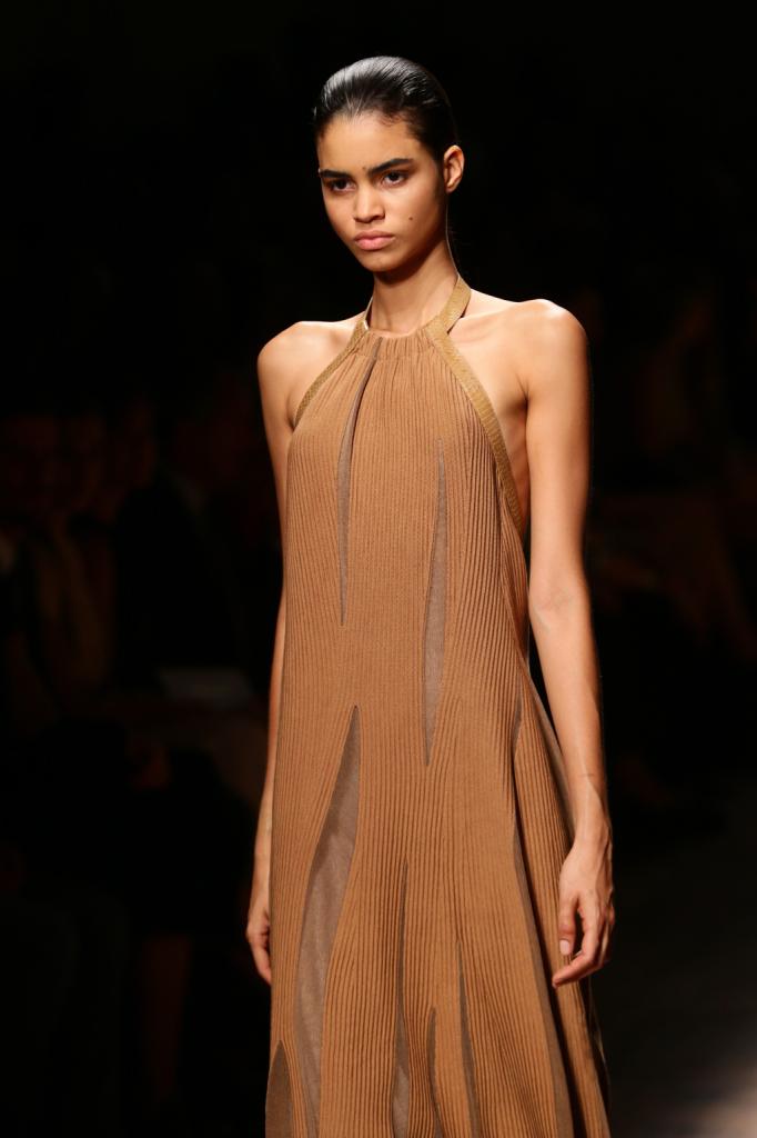 Stile femminile ed elagante per Salvatore Ferragamo 2015 primavera estate