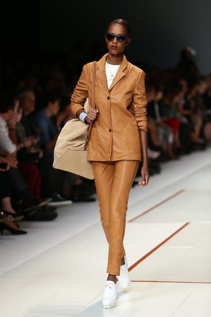 Completo giacca e pantalone elegante e sportivo nello stile Trussardi